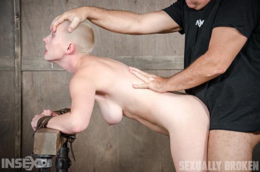sexuallybroken-17-09-25-riley-nixon.jpg