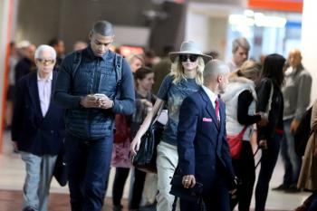 Jennifer Lawrence at Charles de Gaulle Airport 2