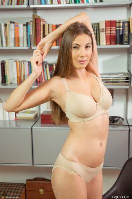 Josephine - I Love To Be Naked  f6rttnwjui.jpg