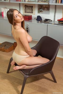 Josephine - I Love To Be Naked  r6rttod3b1.jpg