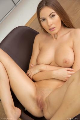 Josephine - I Love To Be Naked  46rttp3yzt.jpg