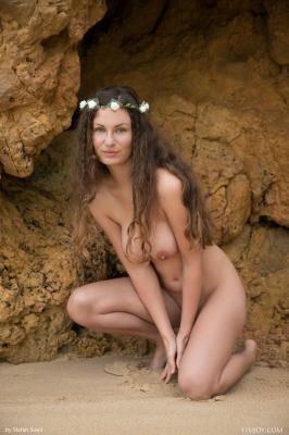 Susann-Discover-Me--s6rtx32ftf.jpg