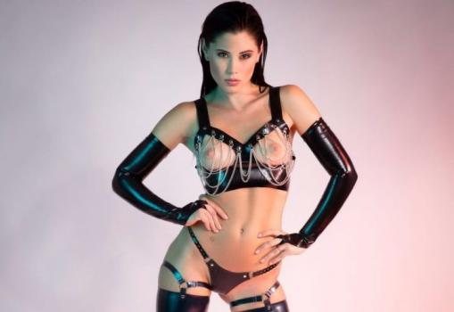 littlecapricedreams-17-09-29-the-colour-of-latex.jpg
