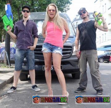 BumsBus.com/PornDoePremium.com – Barra Brass – Public sex and facial in the German van with Czech blonde Barra Brass [FullHD 1080p]
